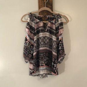 Cold shoulder blouse by BCX size XS
